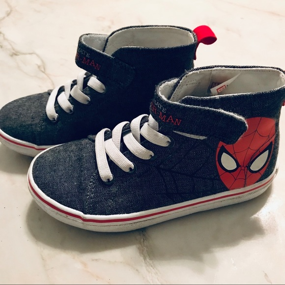 c05bbb5cec74 SPIDER-MAN    Little Boys Hightop Velcro Sneakers.  M 5be76a89a5d7c6ba5b450af7